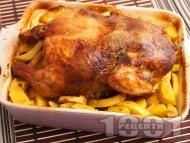 Печено пиле пълнено с дробчета, гъби и ориз върху с картофи на фурна по селски